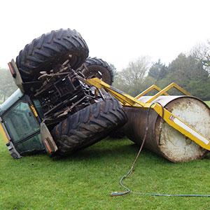 vuelco lateral de tractor