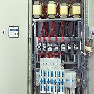 Condensadores en paralelo para contrarrestar la energía reactiva