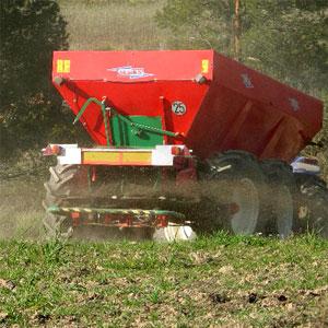 aplicación de fertilizantes en los cultivos